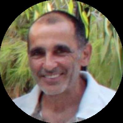 George Tomadakis member of Eptastiktos